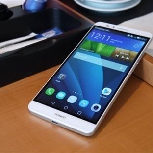 Huawei Mate 8 Kendini Gösterdi!
