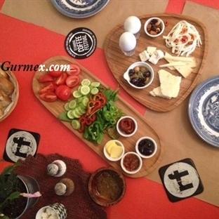 Kadıköy'de Masalsı Bir Kahvaltı