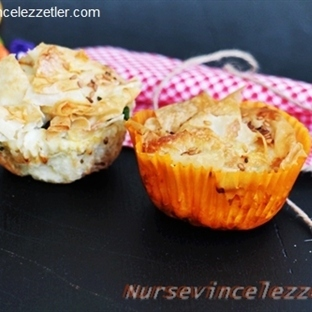 Kırpık Yufkalı Muffin Börek Tarifi