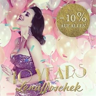 Lena Hoschek 10 Yaşında !!