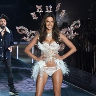 Muhteşem 2015 Victoria's Secret Defilesi