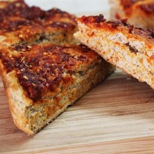 Tam Buğday Unundan Biberli Ekmek