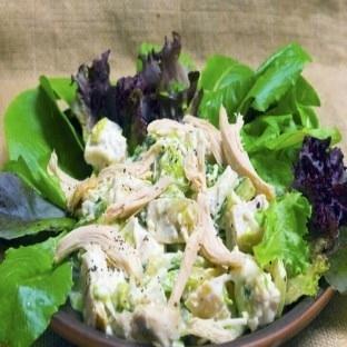 Tavuklu Diyet Salatası