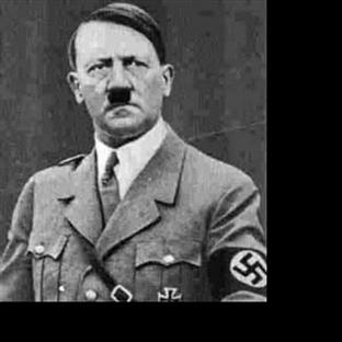 Adolf Hitler Kimdir ?