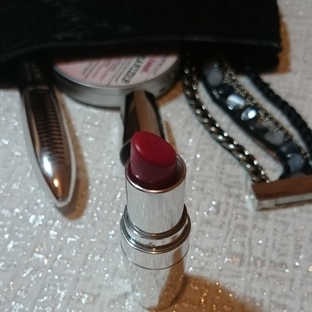 Avon Perfect Ruj - Smitten Red