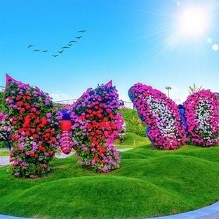 Çiçek Karnavalı Olan Muhteşem Yapılar