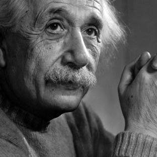 Einstein Bu Fotoğrafta Neden Dilini Çıkardı?