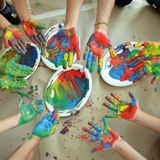 FreeBees Renklerle Öğretiyor!