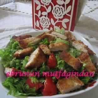 Hindi Şinitzelli Yeşil Salata