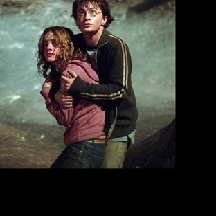Harry Potter Efsanesi Cursed Child Devam Ediyor