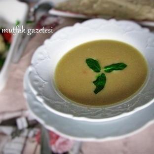 Kolay ve Nefis Kereviz Çorbası