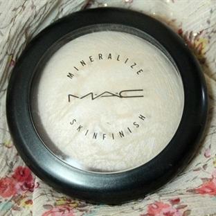 """MAC Aydınlatıcı """"Lightscapade"""" İncelemesi!"""