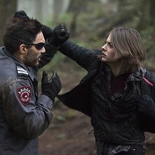 Arrow ve Deathstroke Karşı Karşıya !