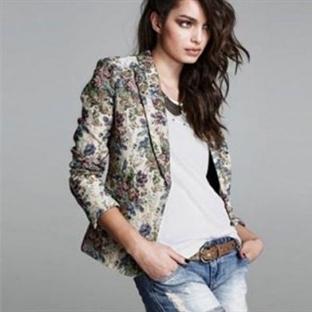 Çiçekli gömleklerle trendi yakalayın