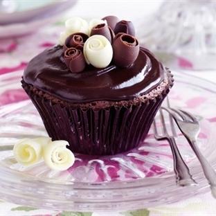 Çikolata Soslu Muffin Kek Tarifi