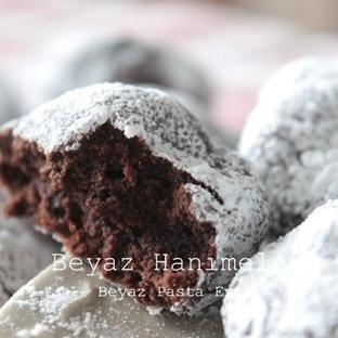 Çikolatalı nefis çatlak kurabiye