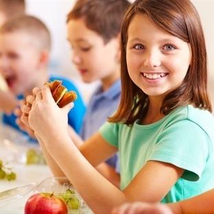 Çocuklar için yemek saati taktikleri