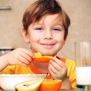 Çocukların yaşlarına uygun beslenme önerileri