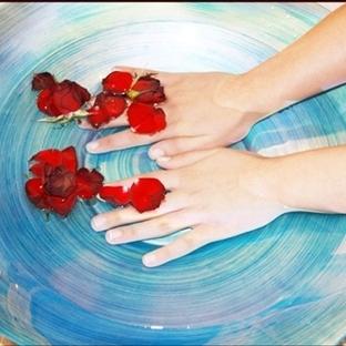Elleri yumuşatan, güzelleştiren doğal limon ve bal