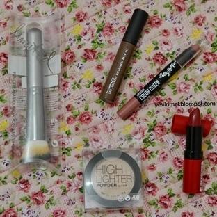 H&M    Uygun Fiyatlı Kozmetik Ürünleri