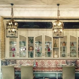 Hedef Atölye'den Adana'da Cafe Cosecha Aydınlatma