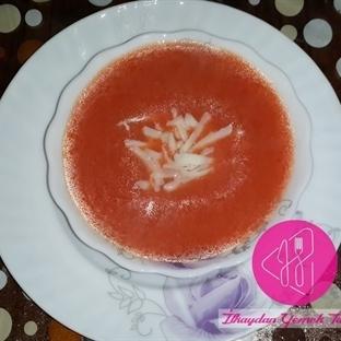 Kaşarlı Domates Çorbası