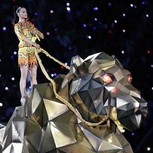 Katy Perry, Super Bowl Devre Arasında Büyüledi