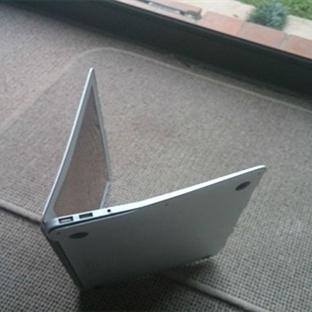MacBook Air 1000 Metreden Düşerse