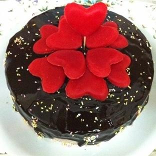 Sevgiliye - Çikolatalı Böğürtlenli Kalpler Pastası