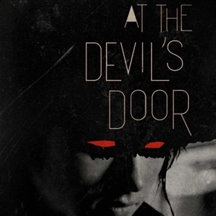 At the Devil's Door : Kesişmede Fısıldanan