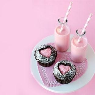 Çilekli Kalpli Cupcake