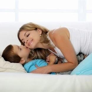 Çocuk mu Anneye, Anne mi Çocuğa Bağımlı?