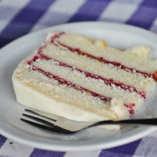 Dağılmayan Mükemmel Pasta Dilimlemek Çok Kolay