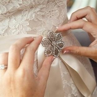 Düğünlerde Broş Detayı