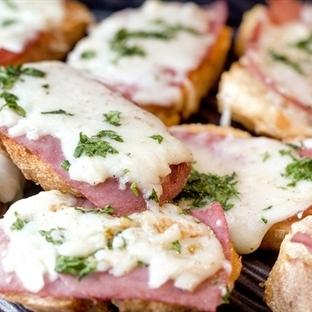 Jambonlu Ekmek Dilimleri
