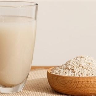 İnek Sütüne Alerjisi Olan Bebekler İçin Pirinç Süt