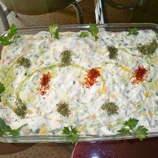 nohutlu mısırlı salatalık salatası