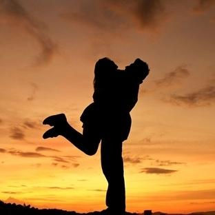 Sevmek Değil Özlemektir Aslolan