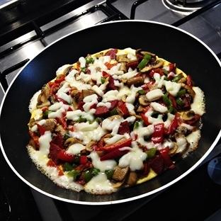 Tavada Pratik Pizza (Yumurta Pizzası)