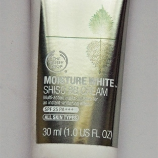 The Body Shop Moisture White Shiso BB Krem