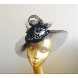 Abiye Şapka Modelleri Oldukça Dikkat Çekici