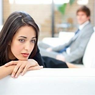 Bir İlişkideki 9 Kusurlu Hareket