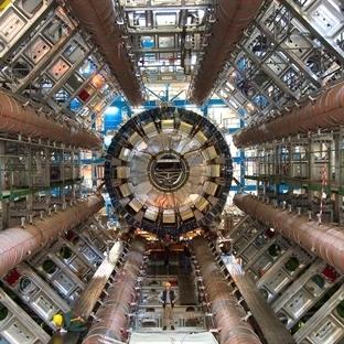 CERN Yeniden Aktif