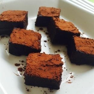 Çikolatalı Unsuz Fudge Kek
