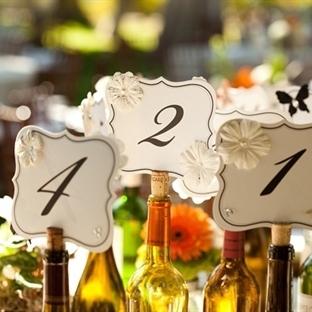 Düğün masaları numaralarına şık fikirler