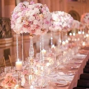 Düğünlerde mum dekorasyonu