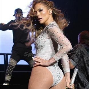 Jennifer Lopez Poposu İçin ISRARLA Bu Hareket !