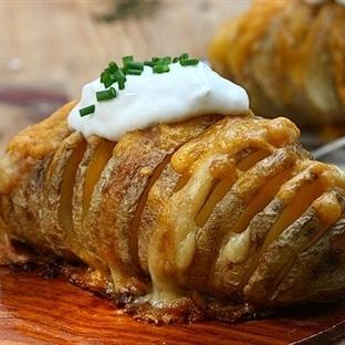 Kaşarlı Yaprak Patates Tarifi