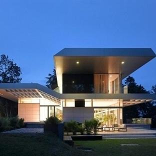 Linz'de panoramik manzaralı modern ev tasarımı