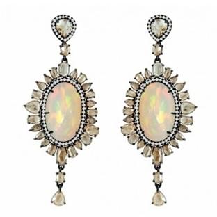 Opal Takılarla Işıldayan Gelinler